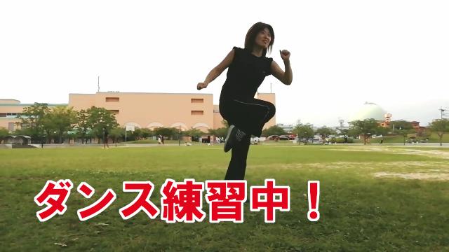 MIKAダンス練習中